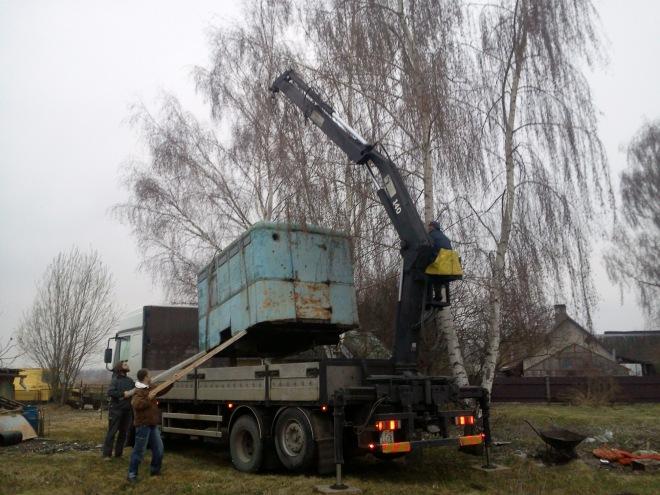 Būdas novietojuma pielabošana, laižot to kravas kastē